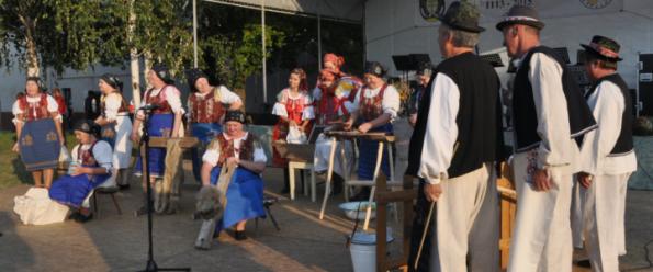 Folklórna skupina Močenčanka